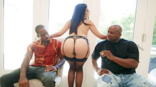 Bang – Violet Starr Gets Spitroasted