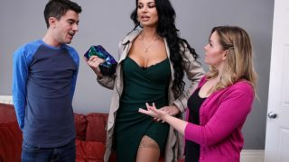Brazzers – Your Mom Is Hotter